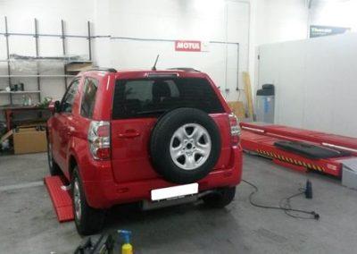 folierung-gelaendewagen-rot