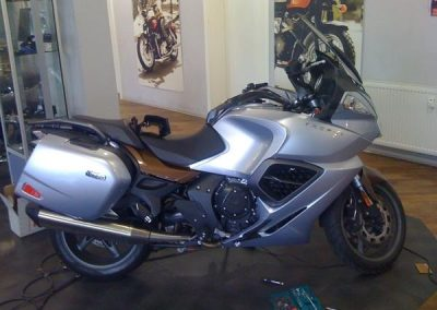 folierung-motorrad-silber