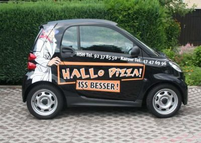 kfz-beschriftung-hallopizza-seite