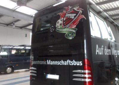 kfz-beschriftung-mannschaftsbus