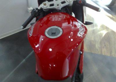 lackschutzfolie-rot-motorrad