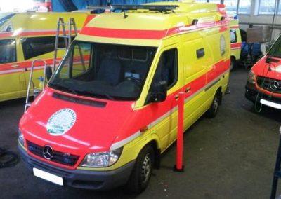 sonderfahrzeuge-krankentransport-gelb