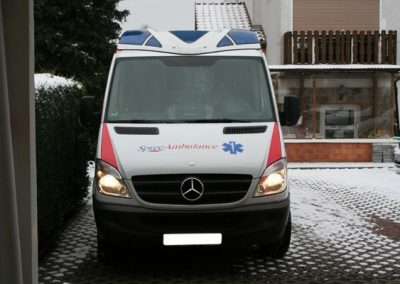 sonderfahrzeuge-spreeambulance-front